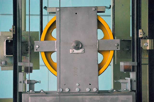 Лифты с канатоведущим шкивом из чугуна